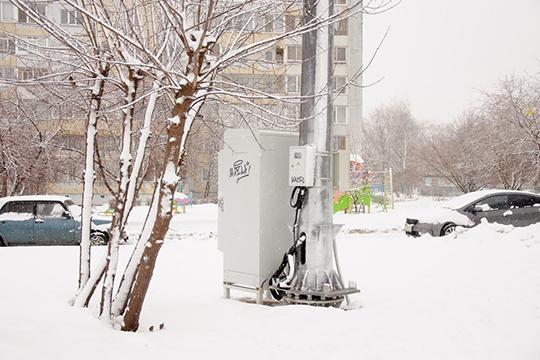 В домах рядом с базовой станцией сотовой связи в 31-м комплексе было зафиксировано более чем двукратное превышение предельно допустимого уровня электромагнитного излучения
