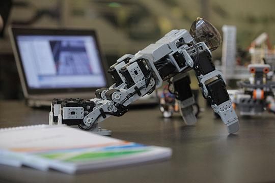 «Какие-то позиции сотрудников искусственный интеллект заменит, и в нашем бизнесе он будет, безусловно, играть большую роль»