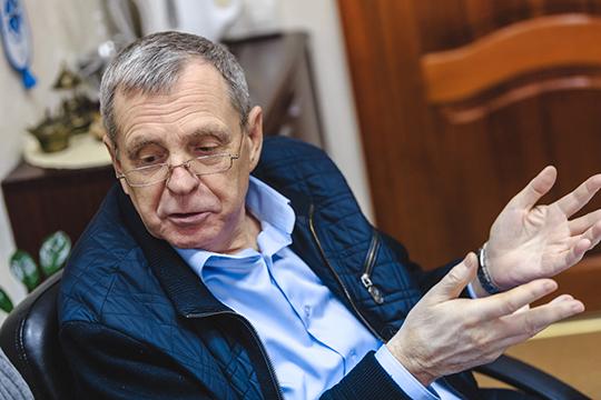 Александр Федоровв то время – главный инженер «Камдорстроя», далее – генеральный директор «Транспроекта»