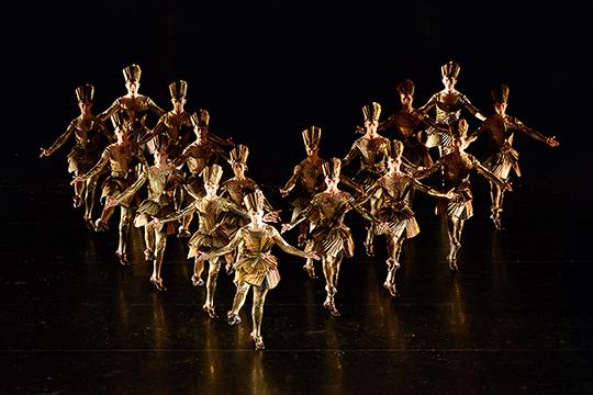 Хореография балета не сохранилась. И, тем не менее, именно его современные авторы выбрали для нового опыта