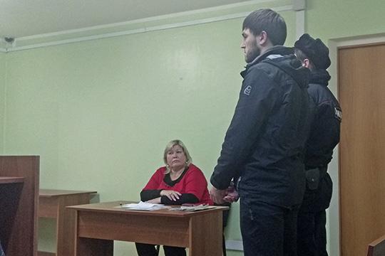 Поданнымследствия, смая пооктябрь 2018 года Данис Асгатзянов (на фото) вступил всговор сИльдаром Динияровымсцелью незаконного приобретения оружия