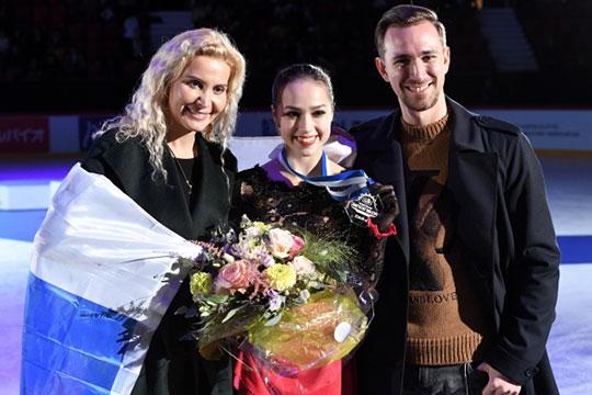 Российская фигуристка Алина Загитова завершила выступление наэтапе гран-при вфинском Хельсинки. Она заняла первое место, набрав посумме двух программ 215,29 баллов