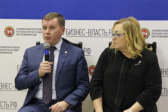 ВБуинске бизнесменов собралось более 60 человек. Начиная заседание, глава районаМарат Зяббаровзаявил, что рабочих мест врайоне нехватает— многие переезжают, «уезжают насторону»