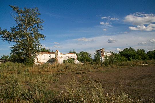 Остатки маслосырзавода в Старых Бурундуках