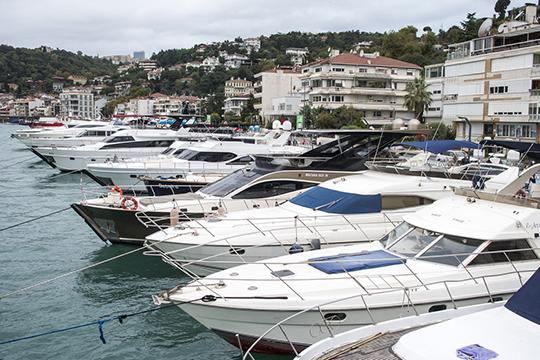 «Задесятки миллионовсостоятельные люди покупают яхты иставят ихвДубровник из-за накладного процессарастаможки. Иможно лет 10 туда летать науик-енды раз вмесяц. Это дешевле выйдет»
