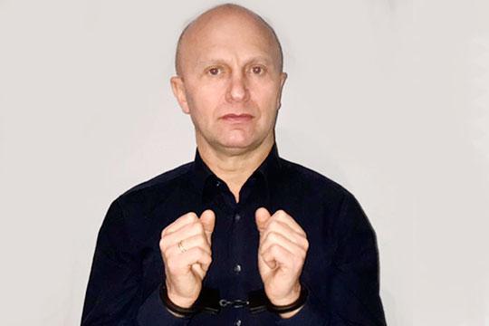 Иван Платонов— хорошо известный вЧелнах предприниматель первой волны, бывший владелец компании «АвтоСнабЦентр»,обвинил полицейских ввымогательстве 1,7млн рублей,апосле отказа платить — арестовали