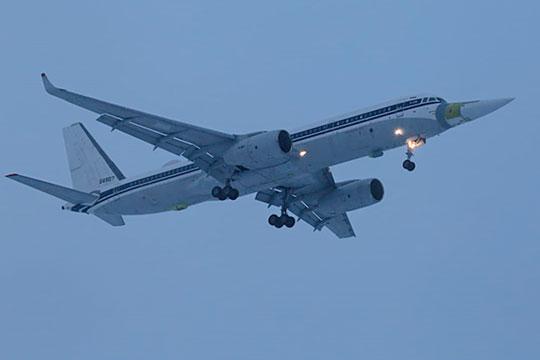 Первый полет совершила уникальная машина— Ту-214 сносовым обтекателем отТу-160