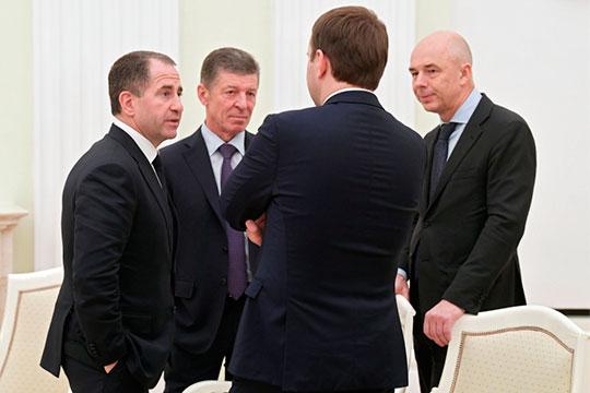 Самое критичное положение скоррупцией вПФО после уходаМихаила Бабича (слева). Пословам источника, «есть материалы для ареста четверых губернаторов».