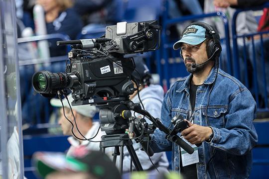 Матч звезд впрямом эфире зрителям, скорее всего, придется смотреть только натематических телеканалах КХЛ-ТВ иКХЛ-ТВ HD