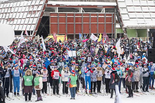 Основной старт «Лыжни России-2019» потрадиции состоялся настадионе «Локомотив»
