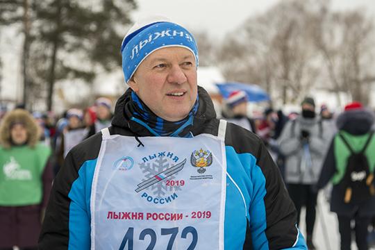 Встречал гостей навходе стадиона первый заместитель министра спорта Татарстана Халил Шайхутдинов