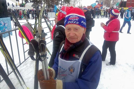 Петр Яльдиряковбыл самым возрастным бегуном «Лыжни России»— 93 года!