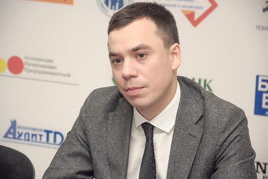 Роман Насрединов