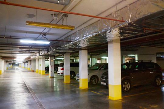 «Застройщики говорят, что строят паркинги, а места там не покупаются, и у них идут убытки. Застройщики показали свою экономику на цифрах»