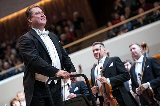 Фронтмэн Государственного симфонического оркестра РТ вновь не без интереса поглядывает в сторону первого места в нашем рейтинге