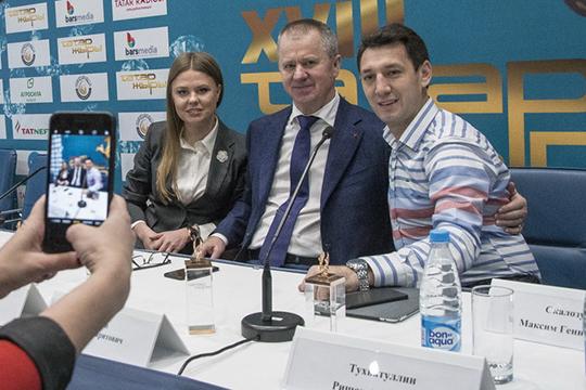 Поговаривают, якобы, Марат Галеев (в центре) потихоньку отходит от оперативного управления своим музыкальным бизнесом, все больше доверяя своей дочери Дине Гараевой (слева)