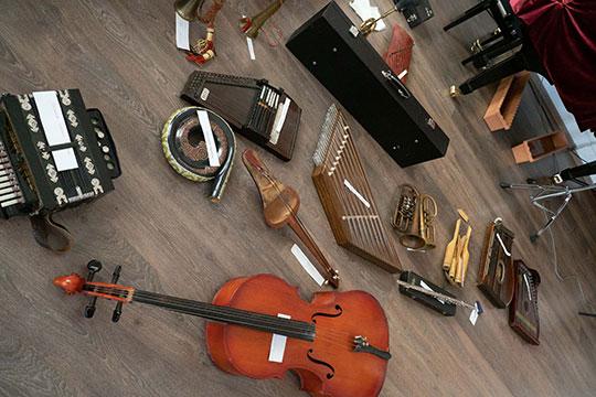 Калимуллин собирает колеекцию уже больше 35 лет и сейчас в ней свыше 1,5 тыс. музыкальных инструментов из самых разных уголков планеты