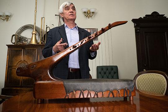 Адырна, один из древнейших тюркских инструментов, прообраз которого был обнаружен во время археологических раскопок