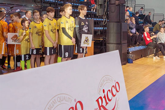Суперфинал Школьной футбольной лиги: 4 тыс. человек в«Баскет-холле»