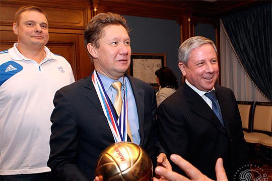 Ежегодно авторитет Кантюкова позволял продлевать спонсорское соглашение с «Газпромом» — сейчас оно около 900 млн рублей в год (на фото - встреча команды «Зенит-Казань» с Миллером в штаб-квартире «Газпрома»)