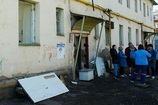 ОбижалНуруллин ипростых жителей. Скандальный эпизод связан среспубликанской программой «Переселение граждан изаварийного жилого фонда» в2013 году
