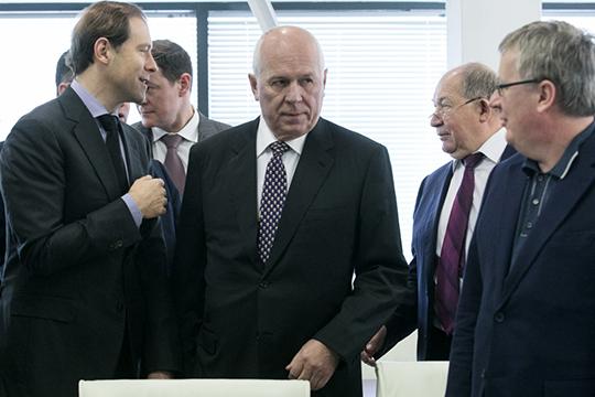 Мынаблюдаем, как глава госкорпорации «Ростех»Сергей Чемезоврасставляет наключевые посты своих людей, управленцев, которые себя уже показали