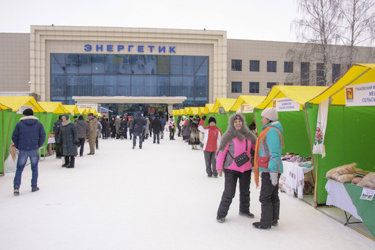 «Тукаевская продукция восновном доступна поцене, так как продается наярмарках вЧелнах. Целую зиму торгуем идополнительно город просим организовывать ярмарки, чтобы реализовать излишки»