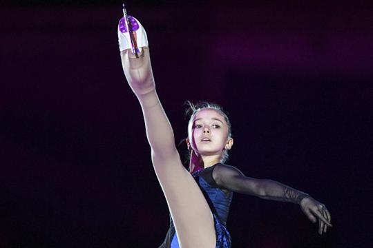 13-летняя фигуристкаКамила Валиевавыступила напервом всвоей карьере этапе юниорского Гран-при изаняла там первое место