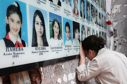 В Беслане было захвачено в заложники 1128 человек. 333 из них погибли, включая 186 детей