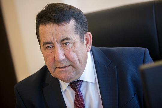 Данил Салихов: «Писателям есть что сказать депутатам, но нас на заседания Госсовета не приглашают! У нас не было встреч и с министрами, я и письма писал с просьбой о таких встречах, но ответа так и не дождался»