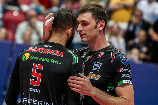 «Я понимал, что игра с «Зенитом» — мой последний матч за «Чивитанову», но хотелось уйти победителем. Если мы встретимся через год, я буду делать всё для победы «Зенита», но в тот день у меня была другая команда»
