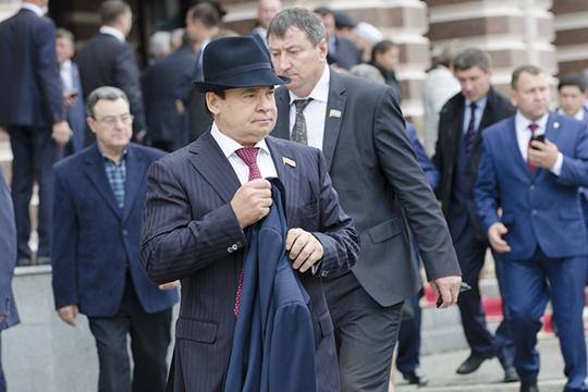 Виктор Смыков —почетный гражданин Альметьевска, бывший депутат Госсовета,начальник НГДУ «Ямашнефть»
