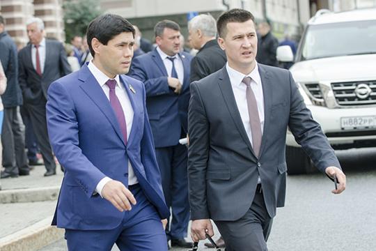 Главным нефтетрейдером юго-востока выступаетИрекСалихов(слева).Владельца ГК«Ядран-Ойл» наши эксперты определили всамую верхнюю часть рейтинга, исходя измасштабов его бизнеса