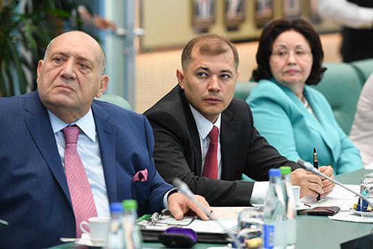 «Серебро» нашего топ-300 вновь достается крупнейшей в стране непубличной группе «ТАИФ», которая нарастила сальдированную выручку на 28% до 758 млрд рублей