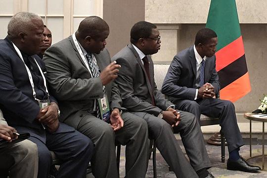 Замбия — это отдельная и показательная история. Сейчас она должна Китаю от 8 до 10 млрд долларов США. Все началось с финансирования банками Поднебесной железной дороги в Танзанию
