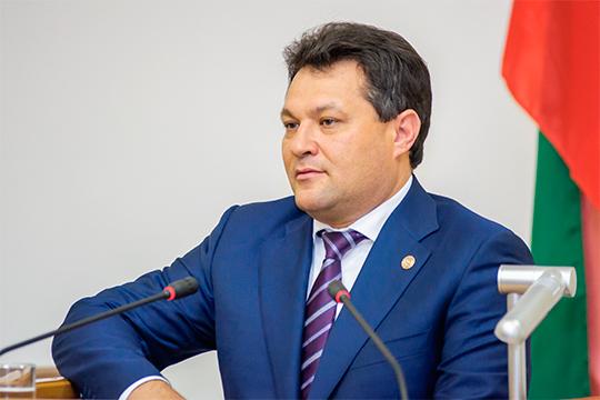 Главная интрига— сможетли Рустем Нуриев наладить деловые отношения свлиятельной группой Барышева-Махеева ипри этом остаться самостоятельной фигурой. Пока внятного ответа наэто нет