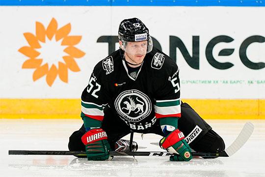 В «Ак Барс» Владимир Галузин приехал в плохой форме и за месяц провёл всего четыре матча. Всё остальное время, по словам главного тренера, он набирал форму
