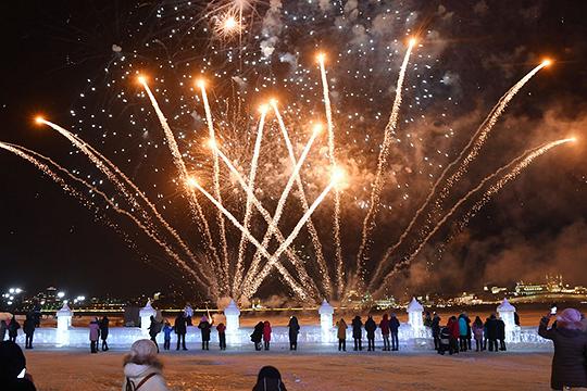 По данным управления, в целом за минувшие праздники из-за запущенных салютов в Казани пострадало шесть человек