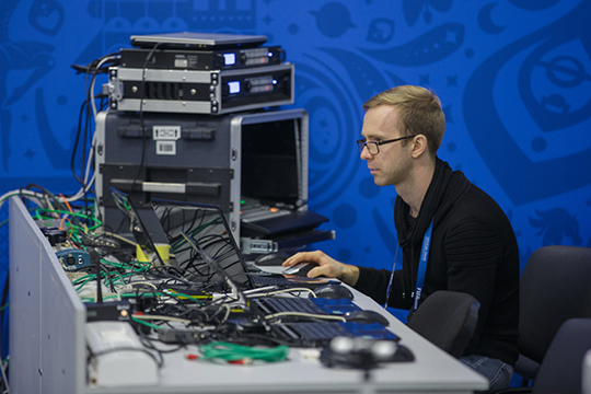 110млн рублей запрашивает продавец заполовину доли вкомпании интернет-провайдера, оказывающего услуги высокоскоростного доступа винтернет пoвыделенной линии, атакже телевидения