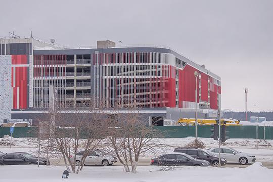 «Рамус Молл» станет крупнейшим ТРЦ в Татарстане — его планируемая площадь 120 тыс. кв. м. На сайте компании указано, что в комплексе будут работать 300 магазинов, кафе и ресторанов