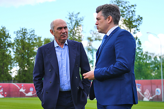 Полноправным фактическим хозяином клуба стал ТАИФ, и Бердыев логично полагал, что сильный спонсор позволит ему не отвлекаться на решение организационных задач и он будет жить только футболом