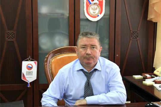 Вместо координирующего работу с силовыми структурами и спортМарата Магадеева(на фото) назначен генерал-лейтенант полицииАртур Ахметханов