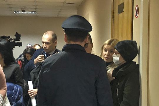 Наоткрытое судебное заседание пришло несколько десятков человек. Все они— официально признанные потерпевшие врамках данного дела