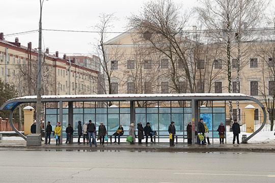 «В прошлом году автобусы Казани перевезли 254 миллиона пассажиров. В будни пассажиропоток — 820-840 тысяч в день. Примерно 40% — это льготники»