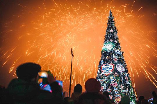 Главная новогодняя елка переносится сплощади Тысячелетия кплощади уцентра семьи Казан