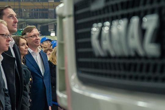 Третий кит экономики Татарстана— крупнейший конгломерат машиностроительных заводов России, производящий грузовую испециальную технику.Надолю Когогина может приходиться 7,062% акций КАМАЗа