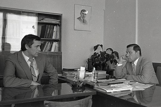 Ринат Мухамадиев (слева) и поэт Ренат Харис. Март 1984 г.
