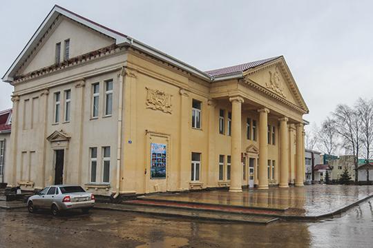 Под домашним арестом оказался директор Дома культуры Кукморского районаРазиф Кашафутдинов