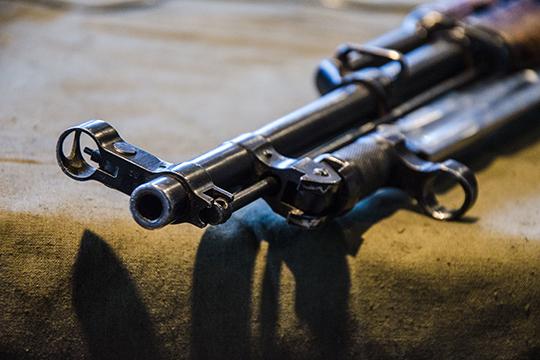Также вделе есть эпизод, согласно которому Никитин вместе сдругими участниками ОПГ приобретал оружие