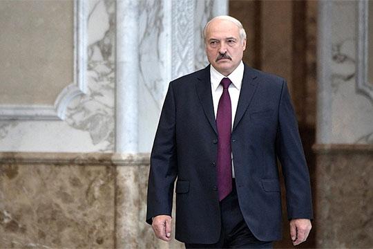 «Уже мало кто скрывает, что Москва недовольна официальным Минском иотнюдь непротив, чтобы вэтой стране сменился глава государства»